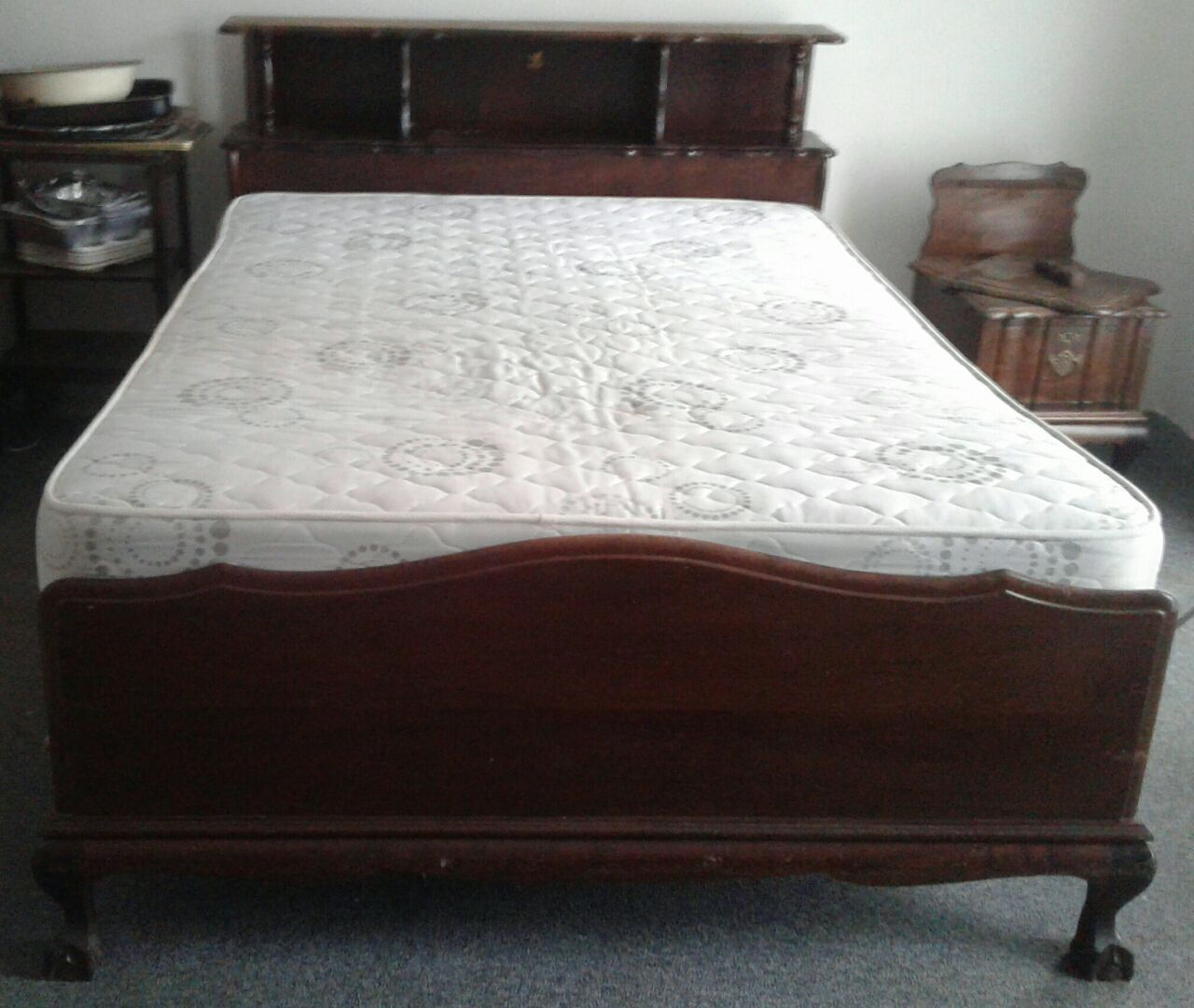 Antique Merlin Imbuia Ball & Claw Bedroom Suite For Sale