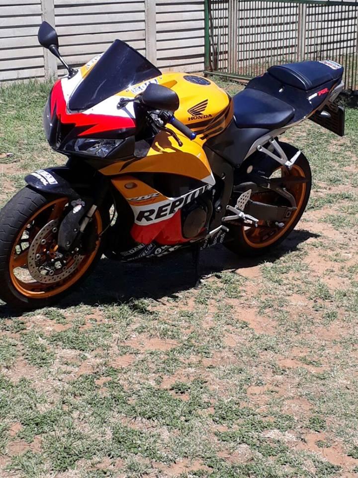 Honda CBR 600f bike