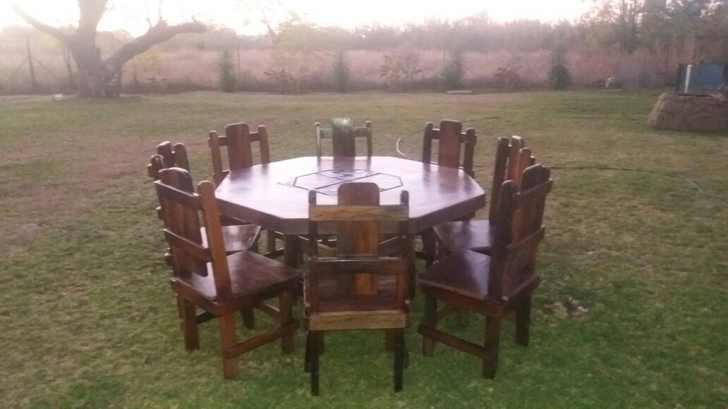 Sleeper Wood Dining Room Table with 8 Chairs