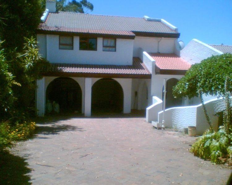 430 m2 Office Space R 70.00/M2 excluding Vat M12 Stellenbosch