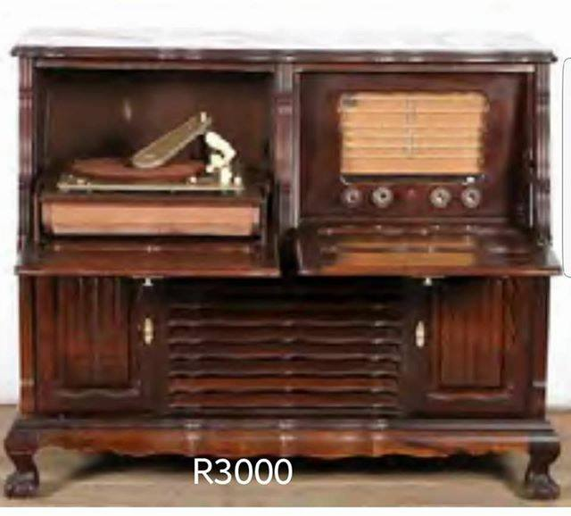 Antique cabinet with vinyl player and radio - Antique Cabinet With Vinyl Player And Radio Junk Mail