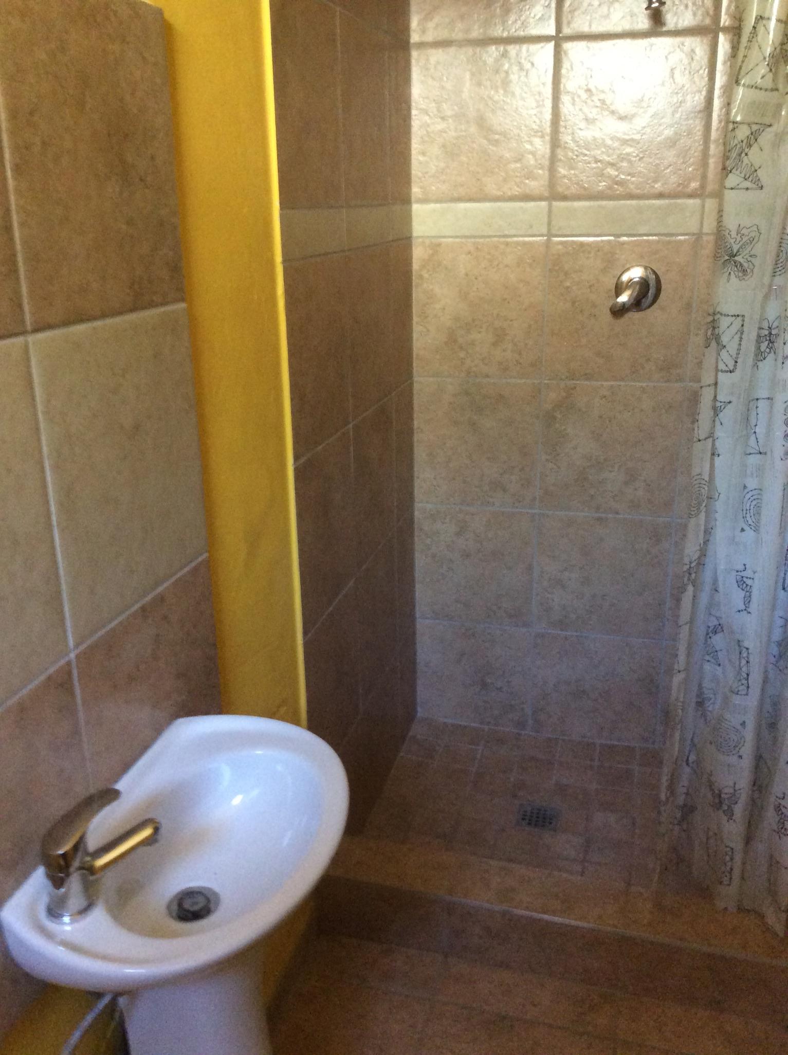 Studio Apartment To Rent Brixton (Johannesburg) R3200 per Month 073 746 6446