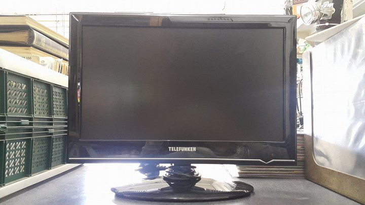 tv telefunken  19 inch full hd lcd  no remote control