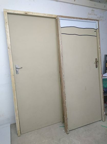 competitive price c37a0 c9e66 2nd hand doors. | Junk Mail