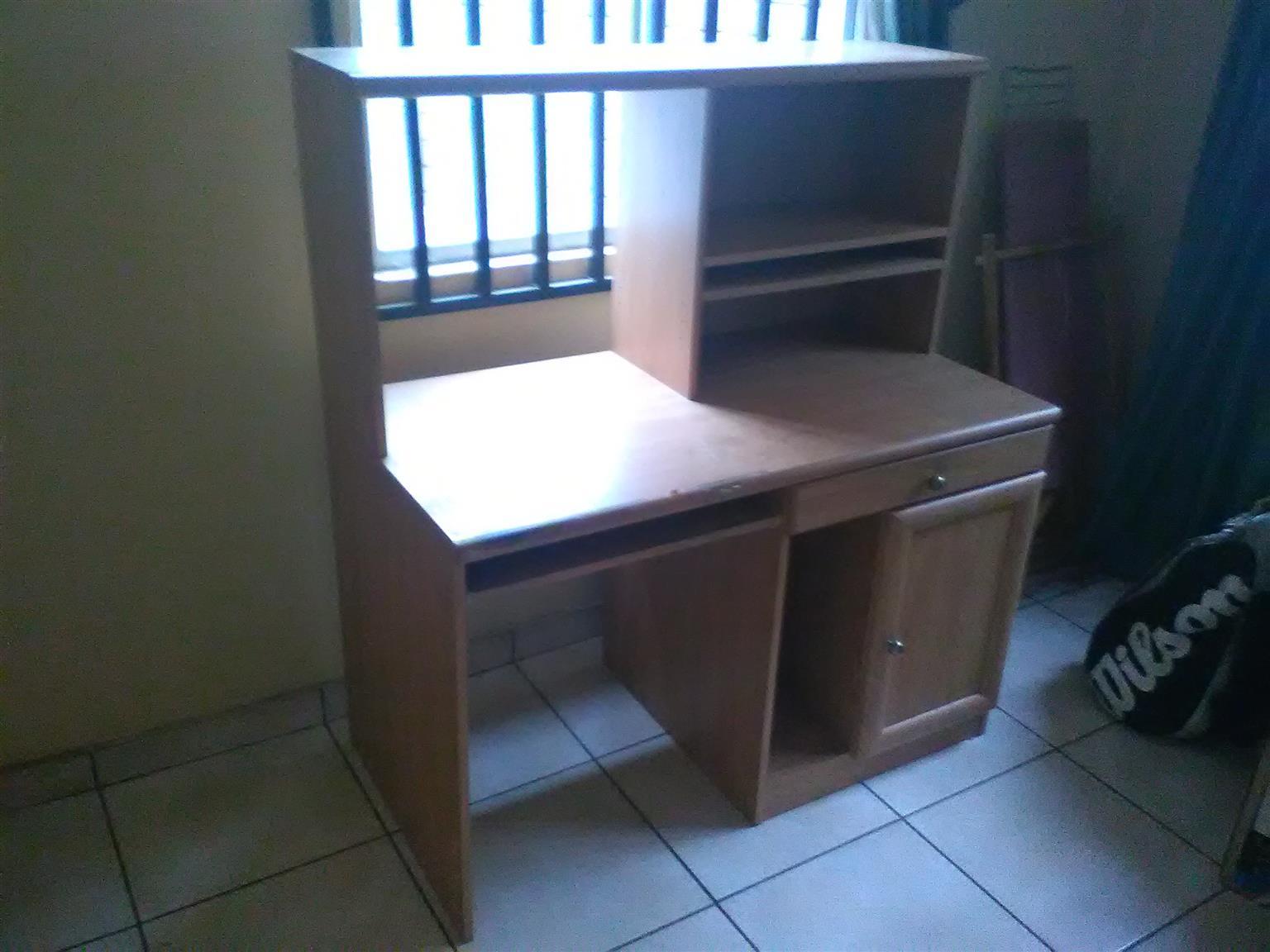 Pine computer desk