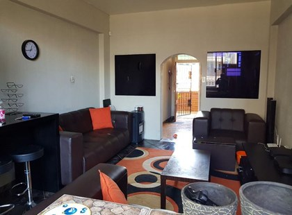Roodepoort Lewisham 2bedrooms, bath, kitchen, lounge, Rental R3500