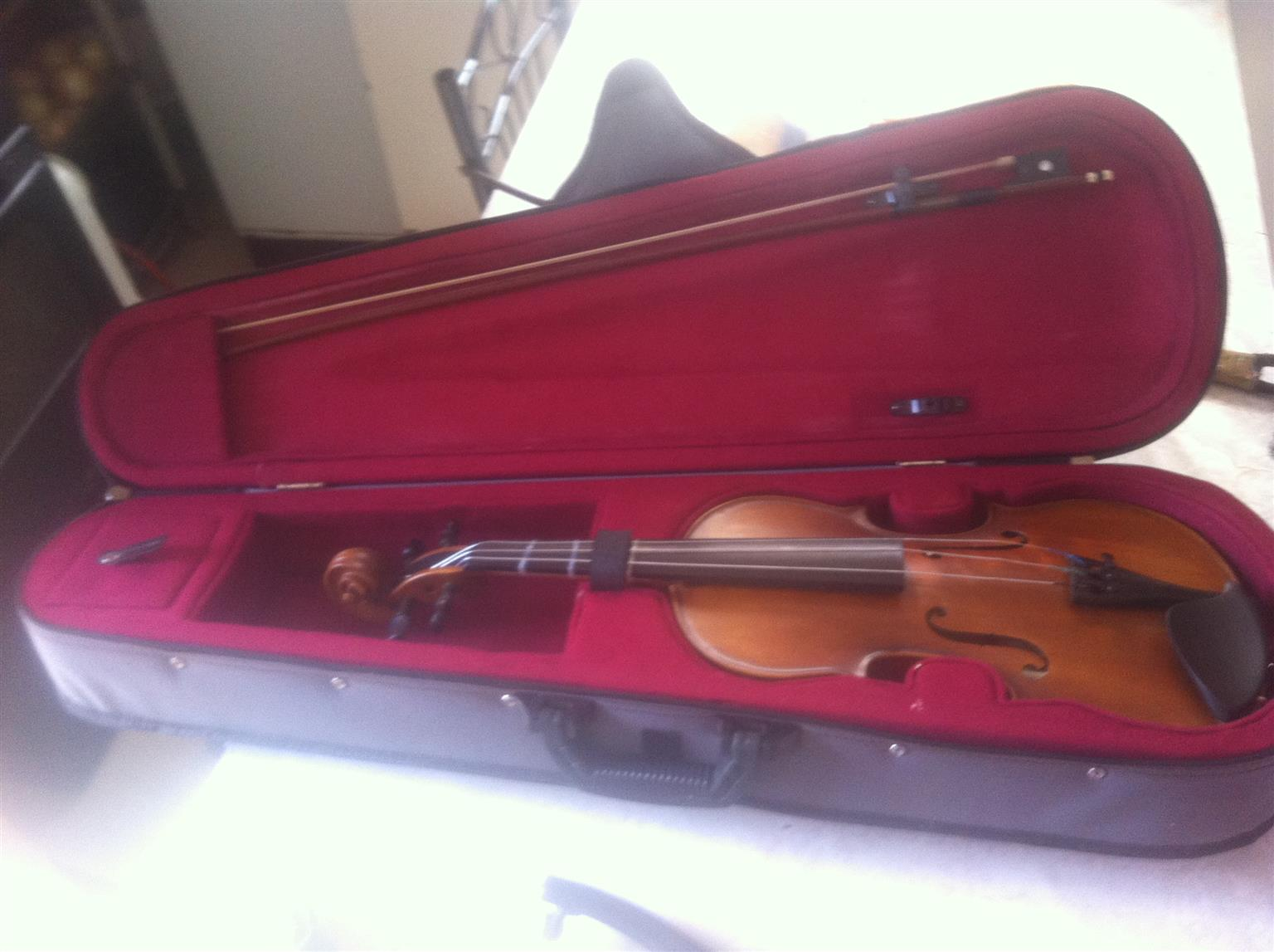 Sandner 300 3/4 Violin Outfit W-Case and Bow