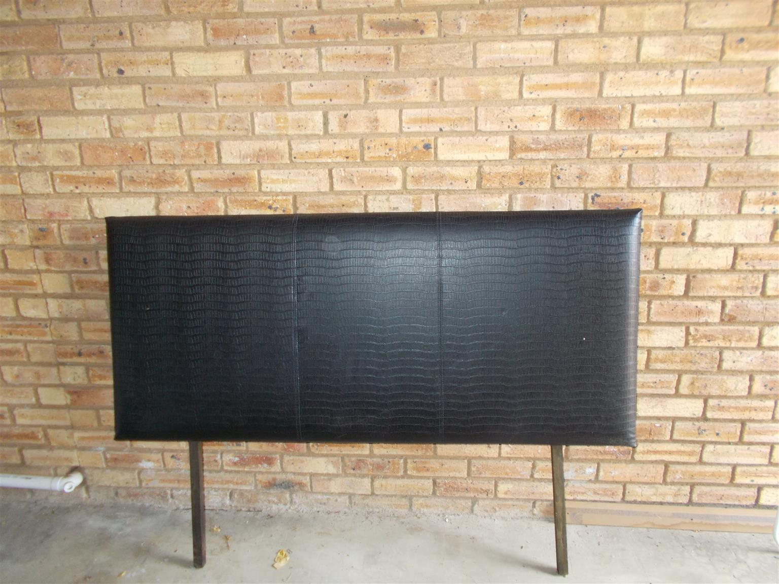 pleather head board R500