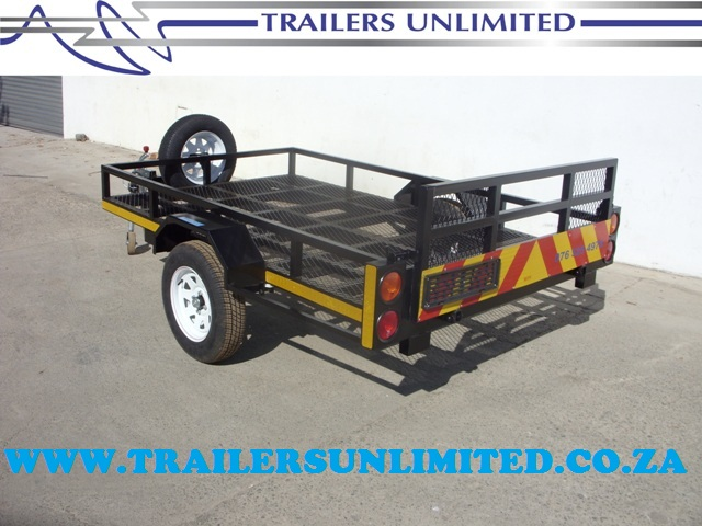 TRAILERS UNLIMITED GOLF CAR TRAILER.