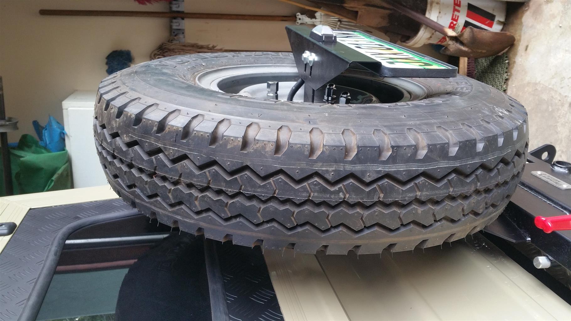 landcruiser brand new yokohama tyre and rim