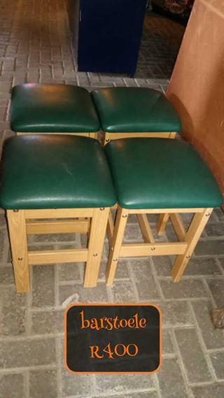 Groen top bar stoele