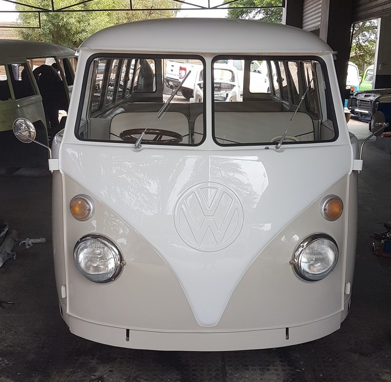Beautifully restored 75 split window VW  komb
