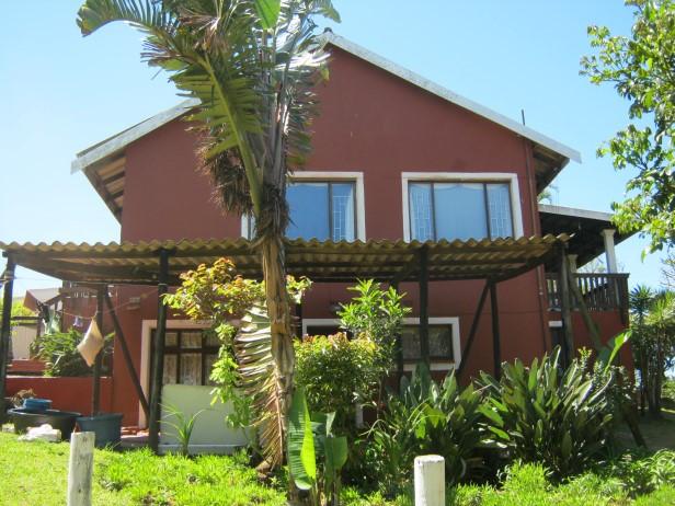 2 Bedroom,2 Bathroom House with Sea Views +1 Bedroom Flatlet for sale in Port Edward