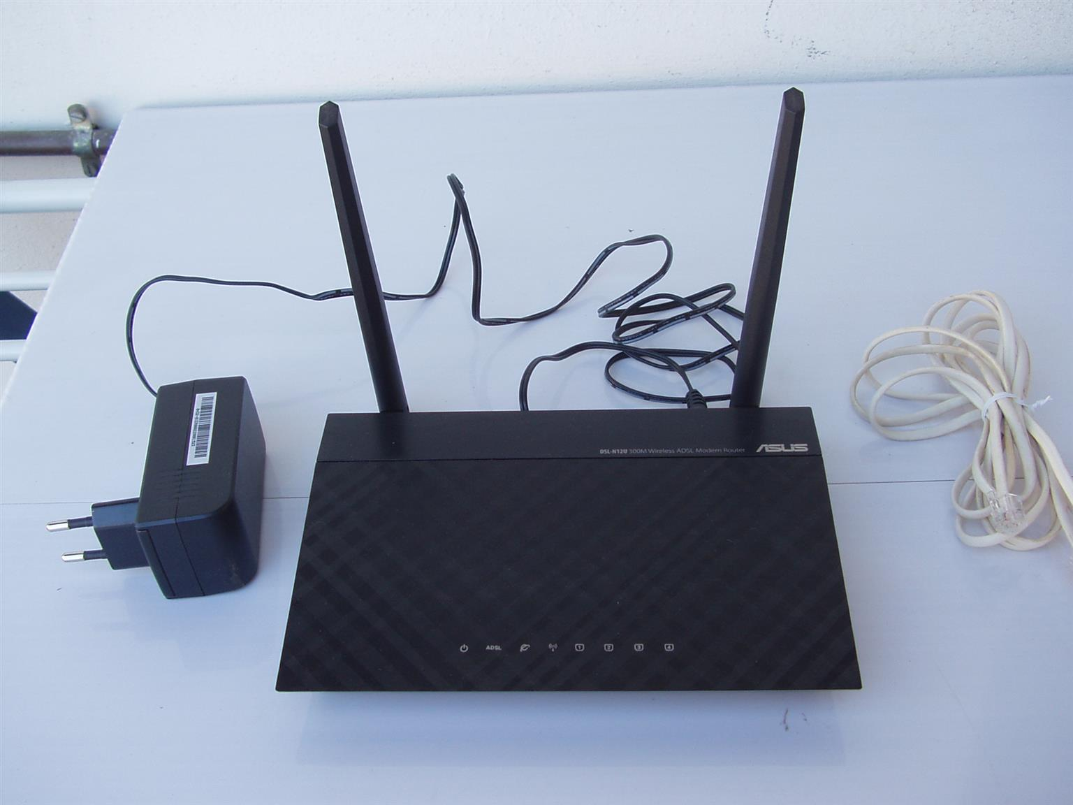 Asus Wireless Modem Router - with power cable