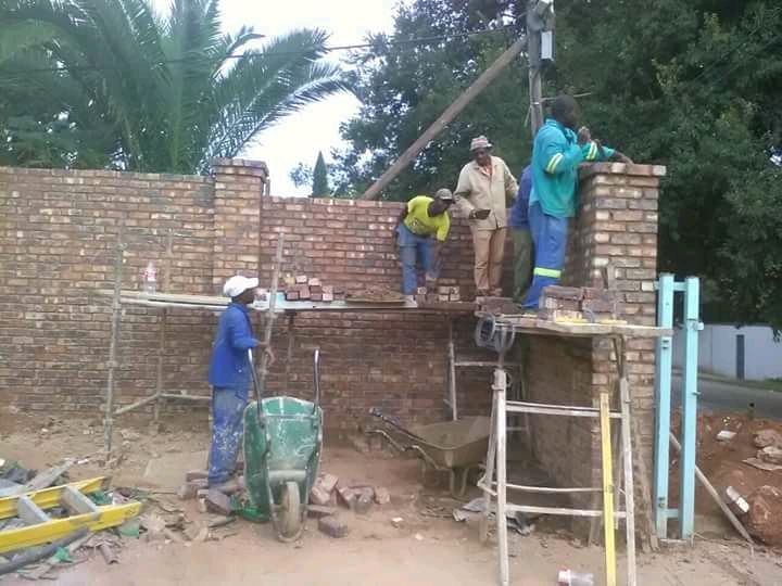 DO IT CONSTRUCTIONS AND PAVING SERVICES