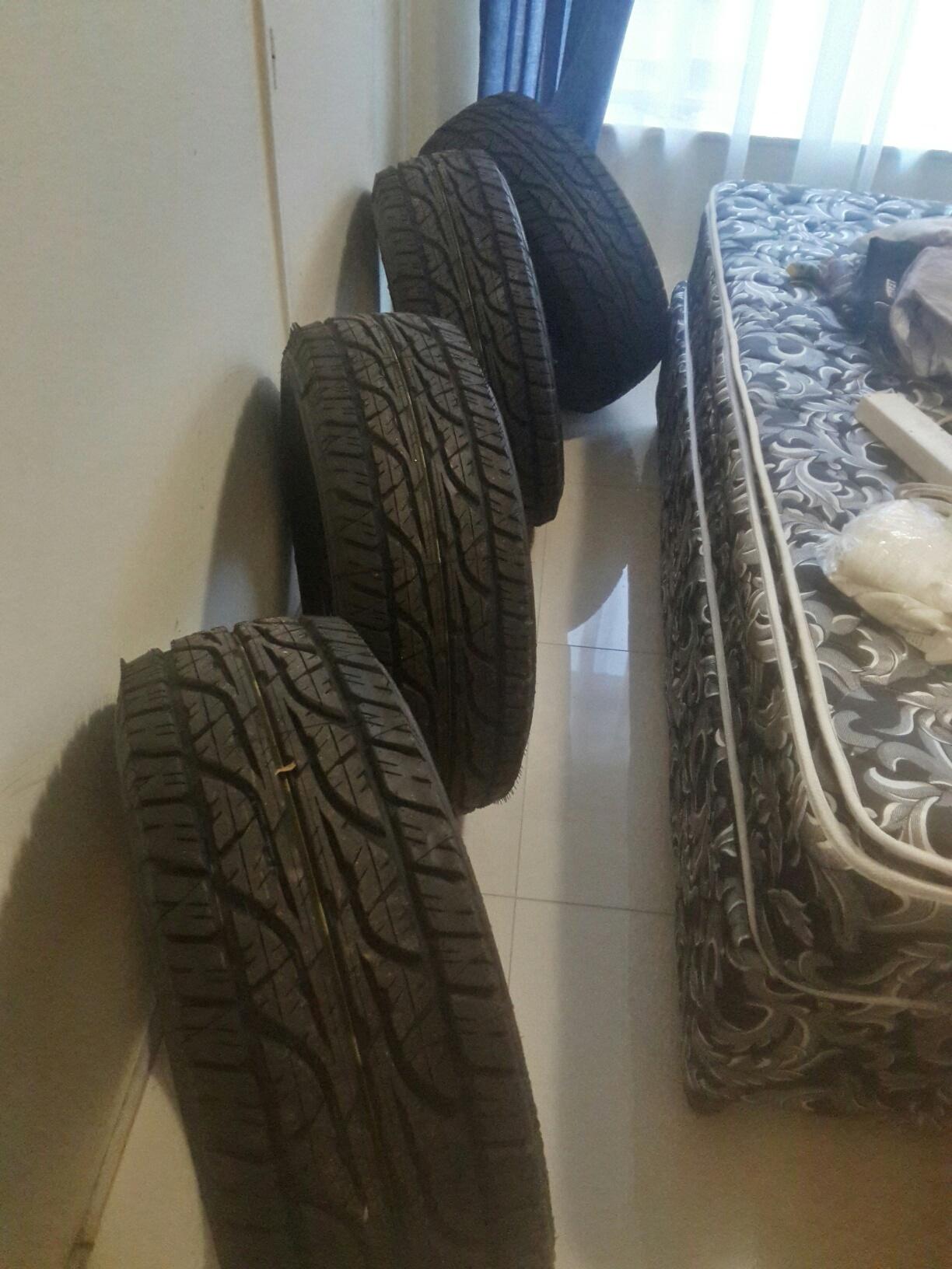 265/65/17 Dunlop AT Tyres