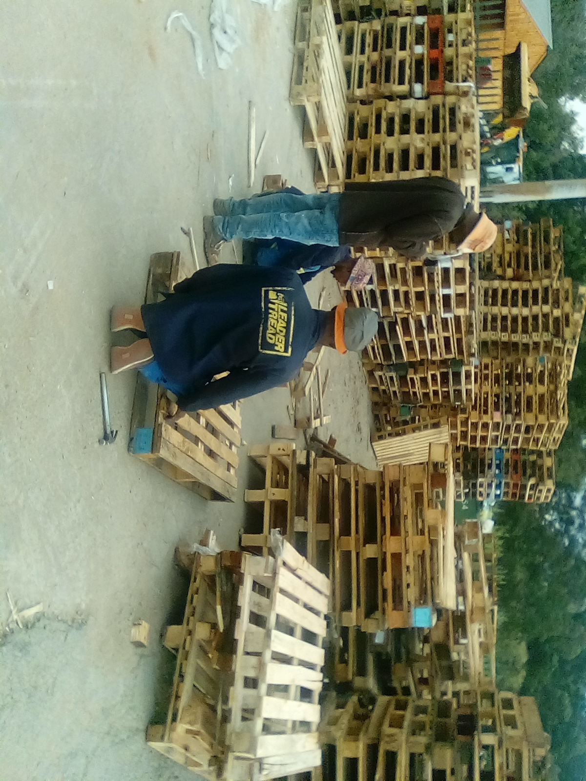 Second hand wooden pallets for sale