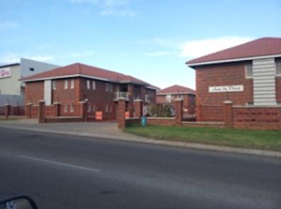 Potchefstroom Apartment 2 Bedrooms and 2 Bathrooms