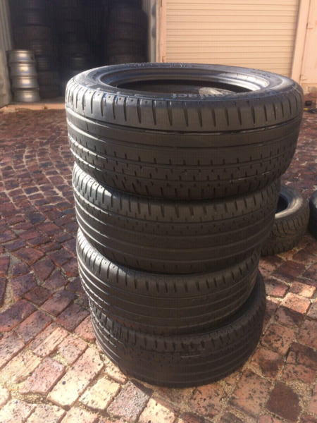 235/55R17X 4 Continental  Tyres(75% tread) 0847343807