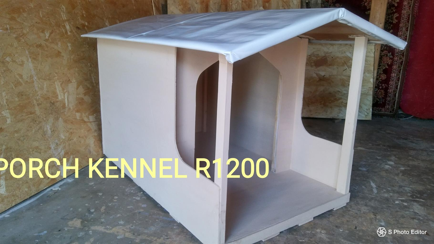 Classic pet kennel