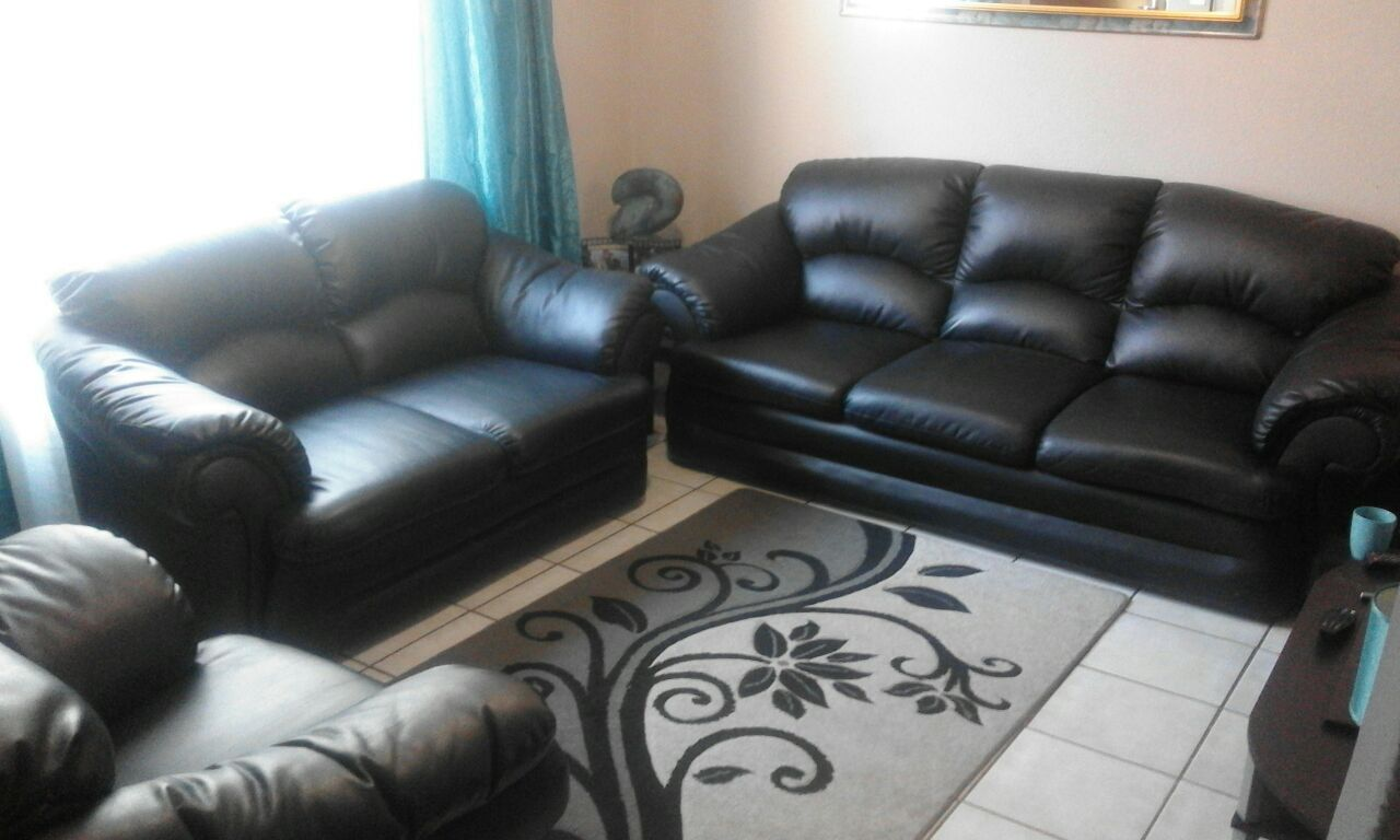 Black b Leather Couches