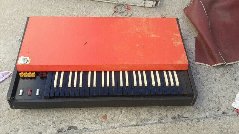 Jennings (went on to be VOX company)vintage keyboard with case and the original fold up stand