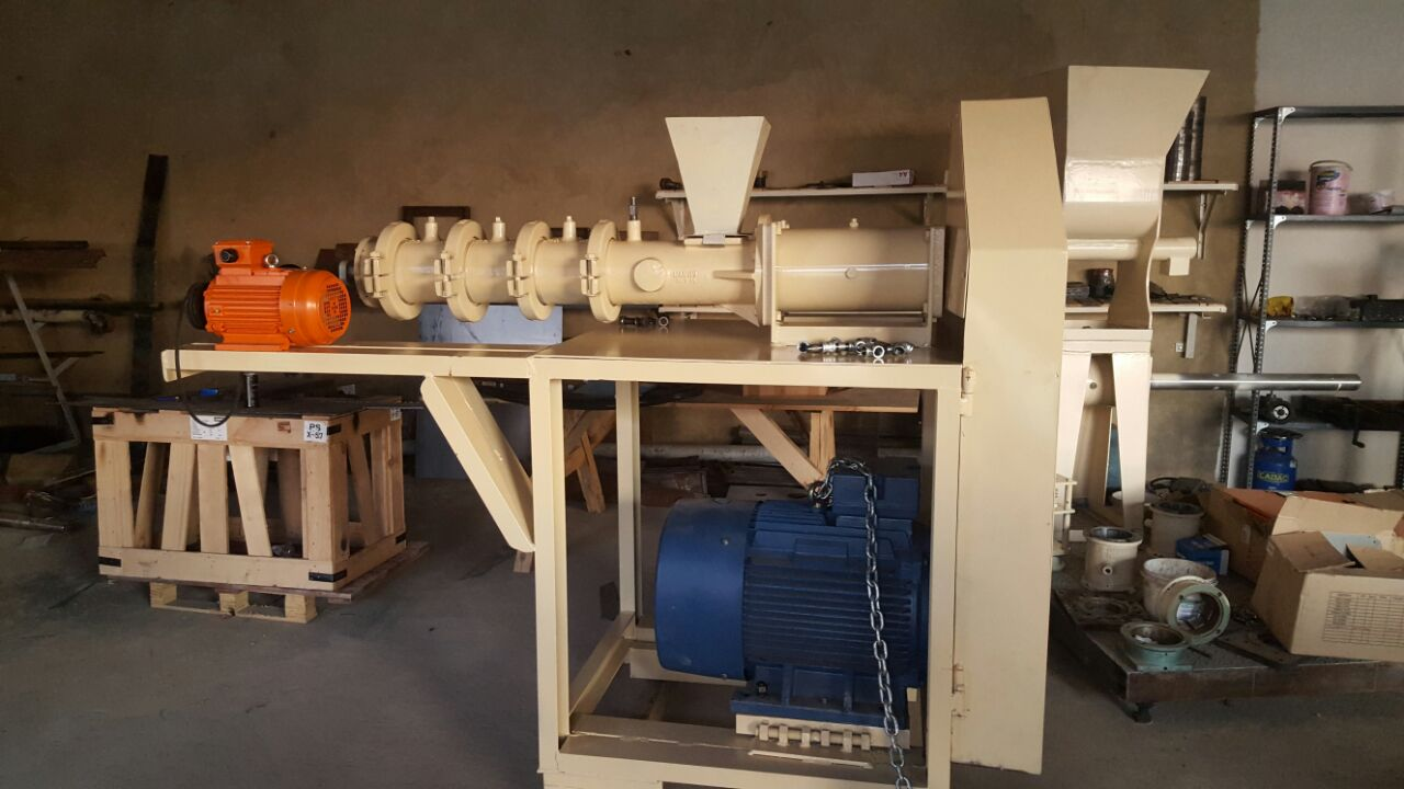 Maize/Full Fat Extruder