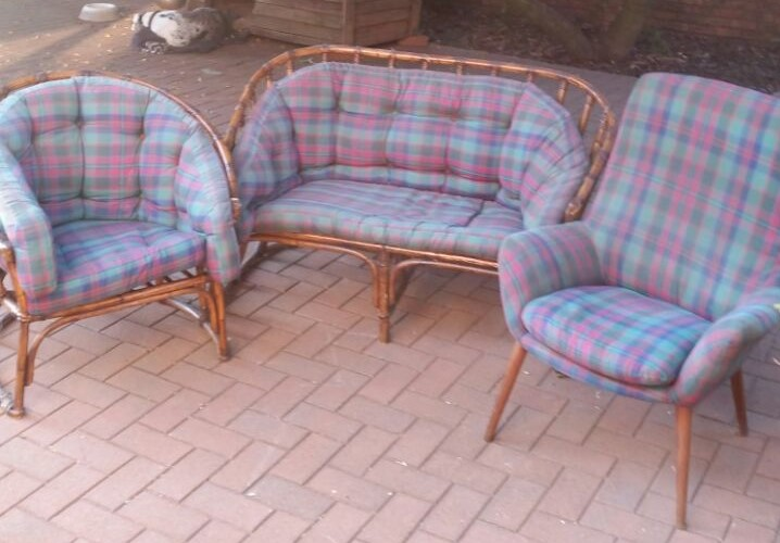 Beautiful quaint cane 2 seater couch and 2 chairs R2900