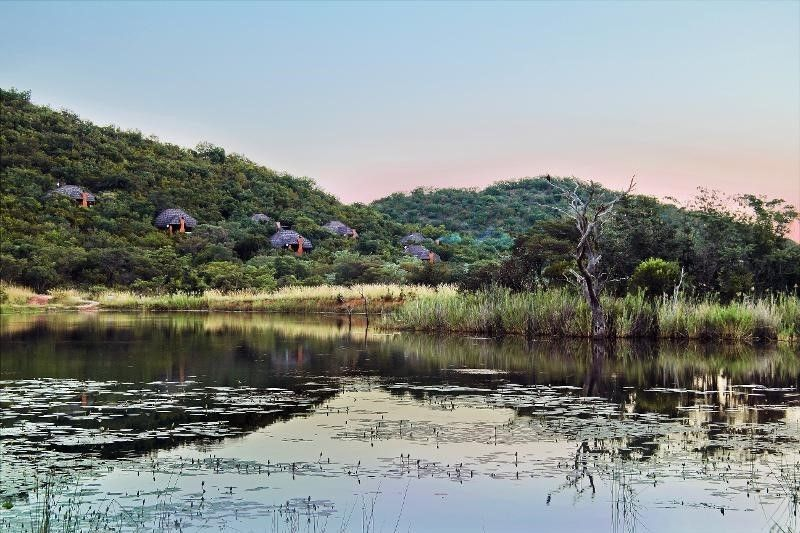 School holiday break April 2018 Mabalingwe Game Reserve  R5950.00 entire stay  02 April to 6 April 2018, 2 Bedroom 6sleeper