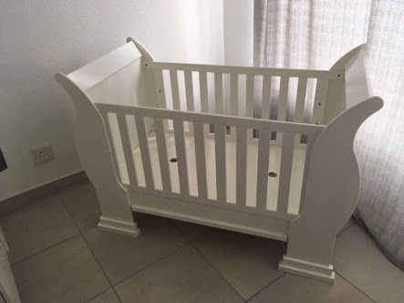 White sleigh cot