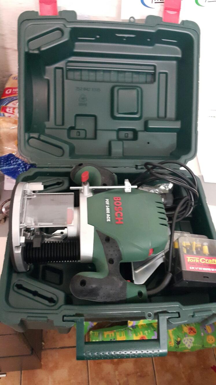 bosch router pof 1400 ace with tork craft bit set | junk mail