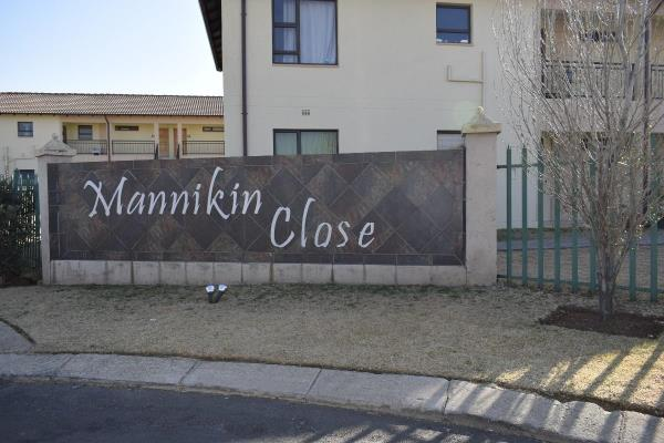 Bachelor  flat   for Sale in Parklands  Estate ,Boksburg ,Gauteng