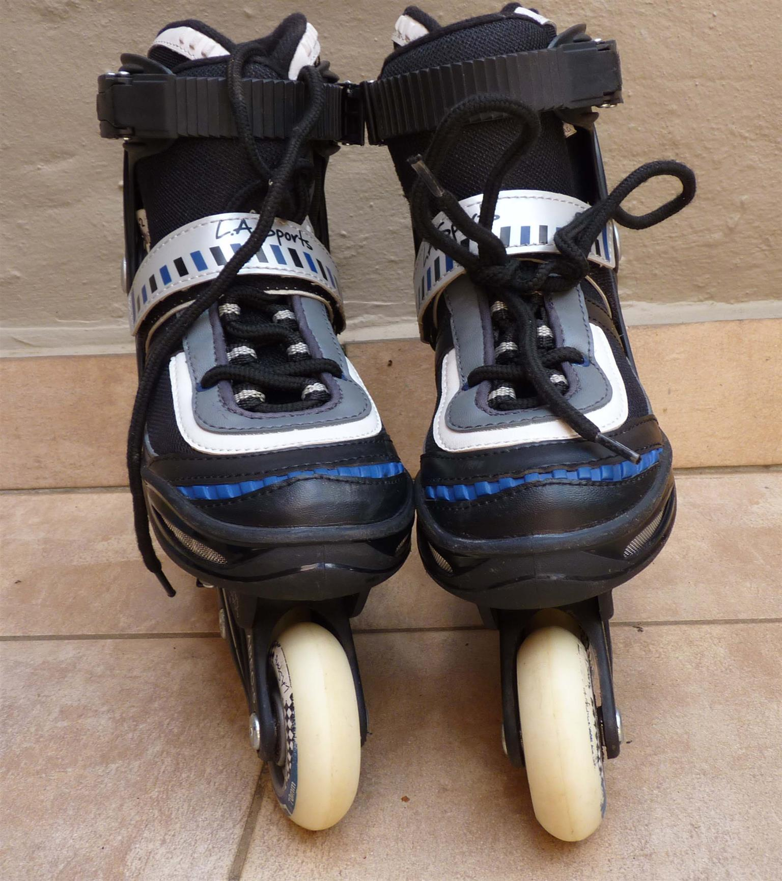 Roller Skates. Perfect condition. Size 1-3