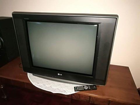 LG TV met remote