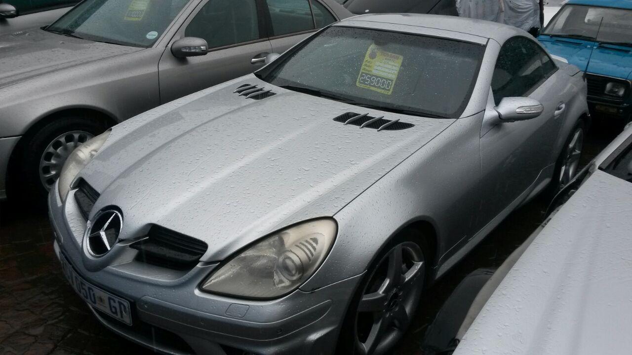 Mercedes SLK55 W171 Stripping for Spares