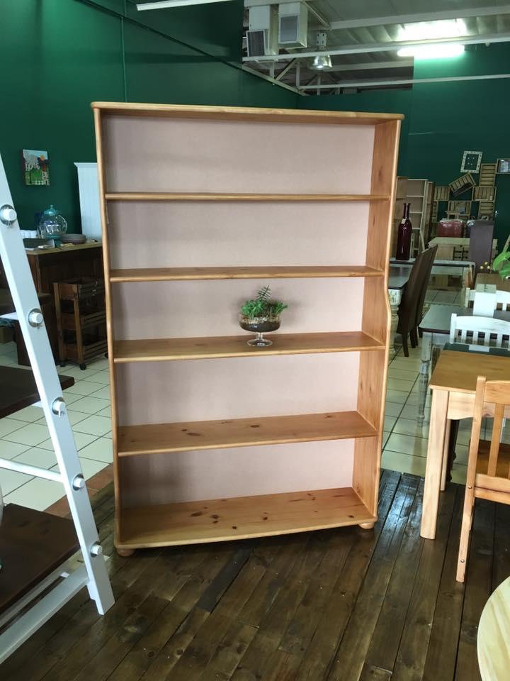 1800 x 1200 Pine Book Case - Oregon