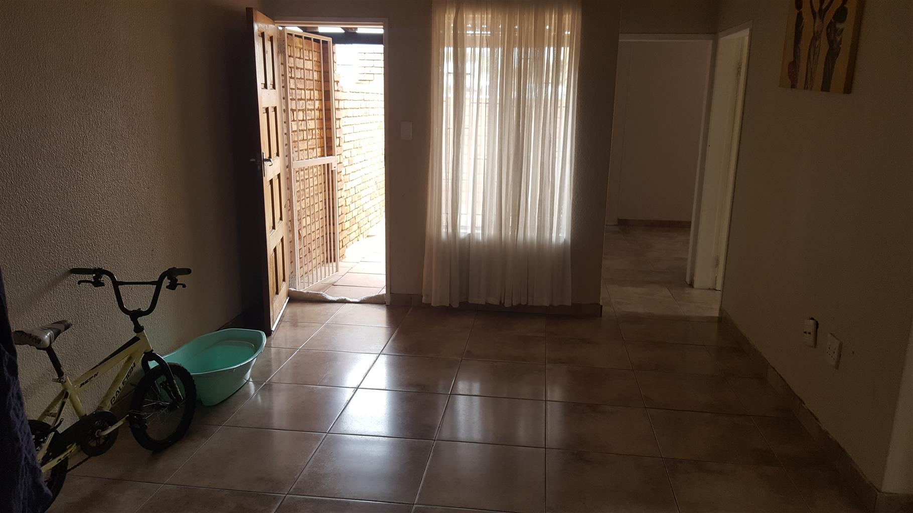 Beautiful 3-bedroom townhouse in Groblerpark available