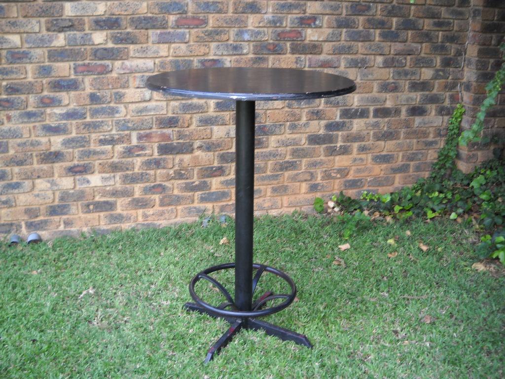 Bar/ Cocktail tables