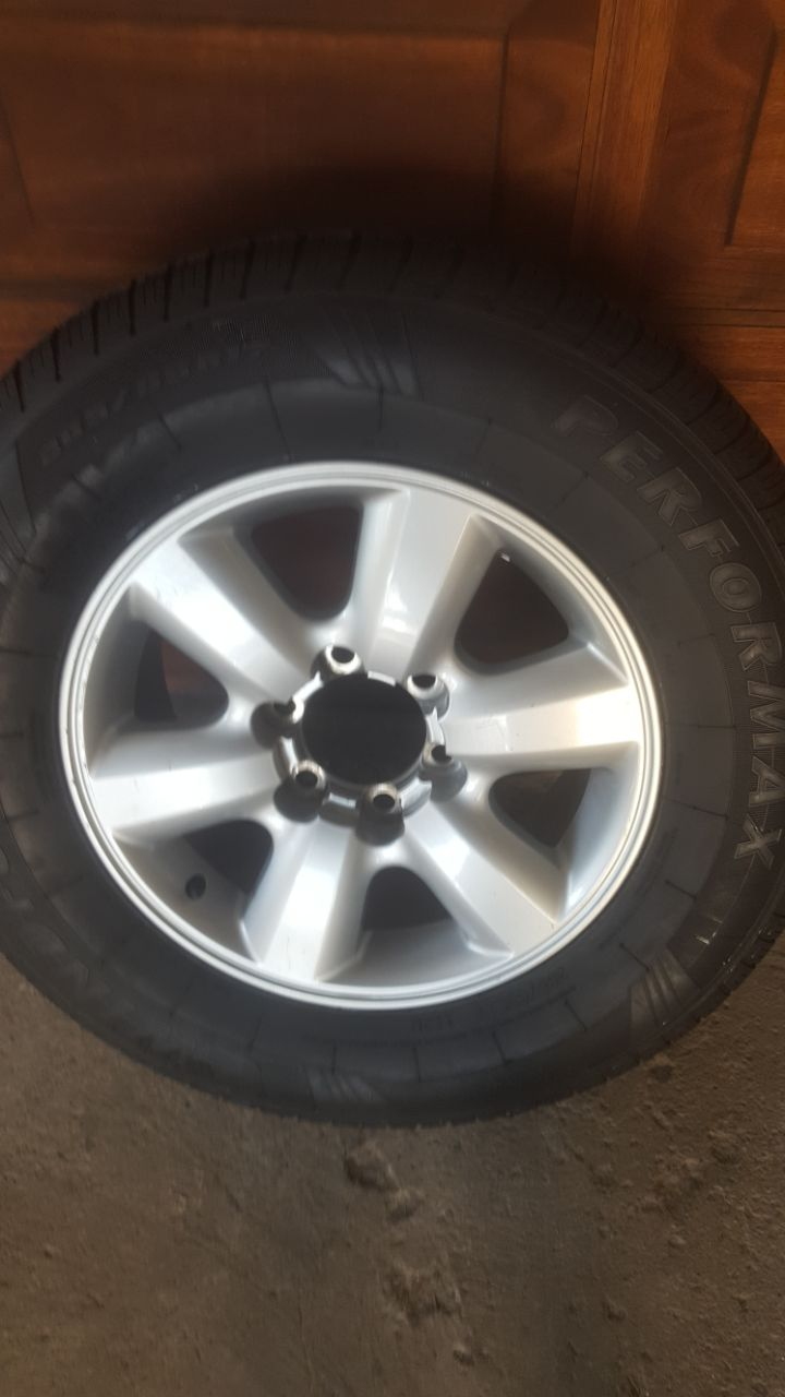 One Original Toyota Fortuner or Hilux 17 inch Spare mag with 80% tyre R2650