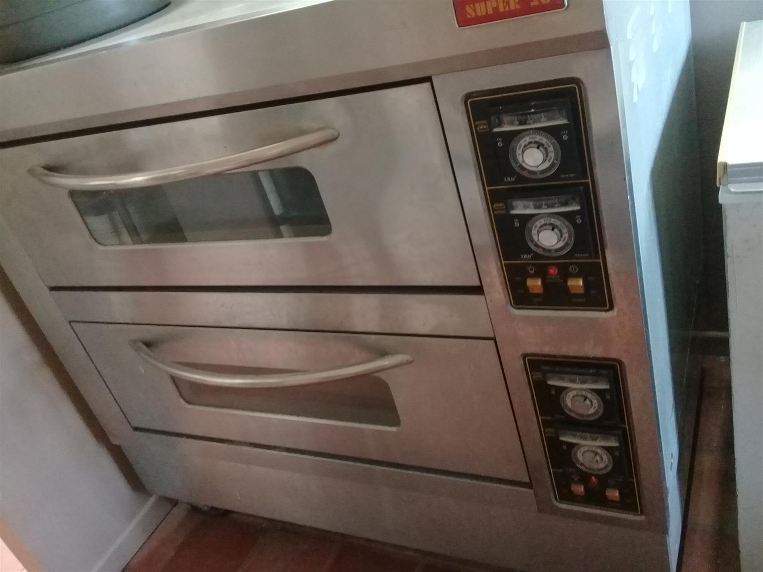 Urgent Super 26 Pizza / Bread oven for sale