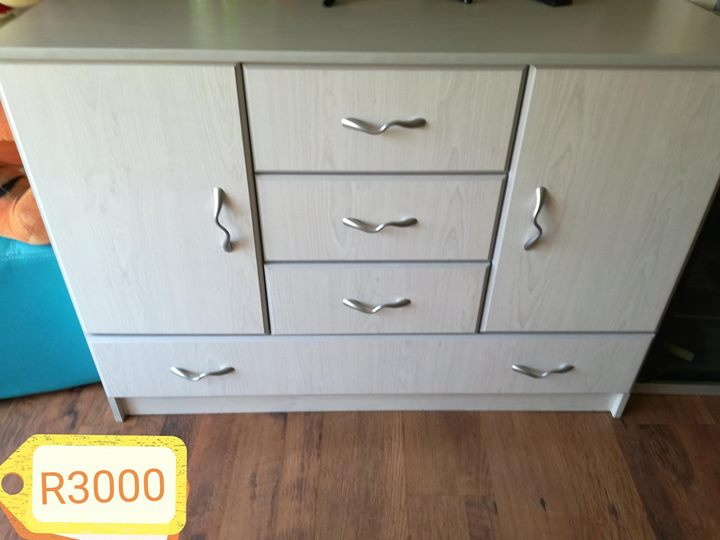 Baby drawers with shelves and hanging space