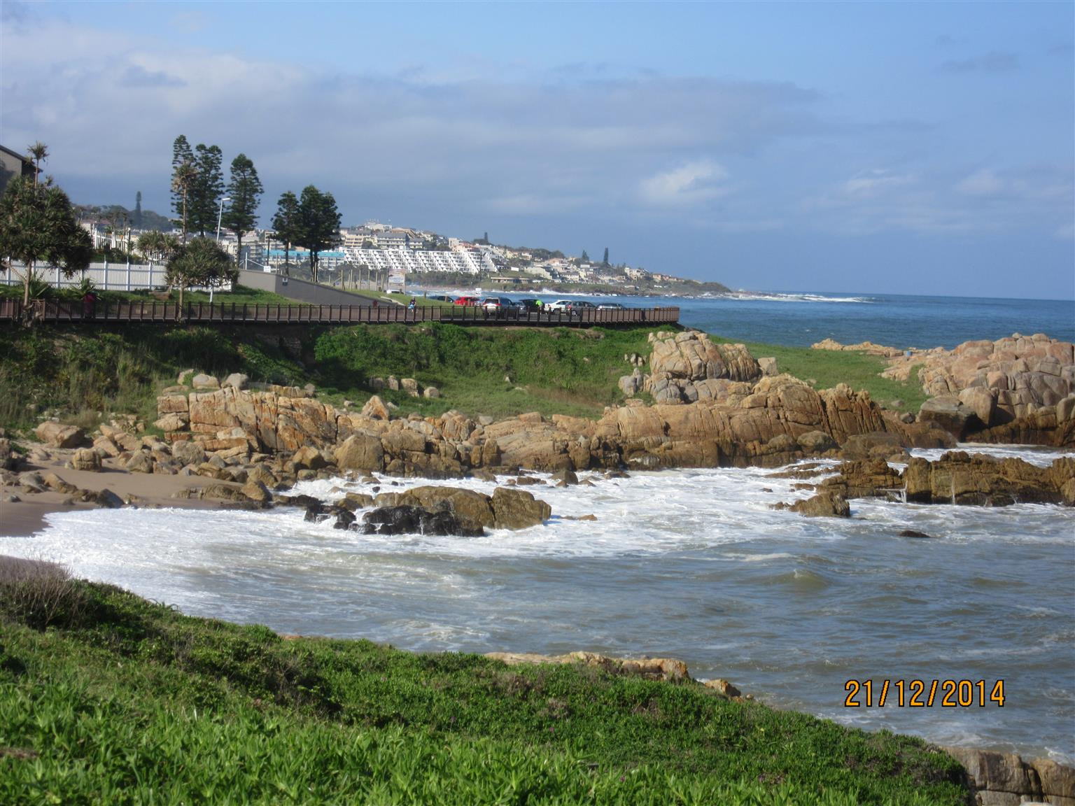 SEA, SUN, FUN SEA VIEW SELF-CATERING HOLIDAY ACCOMMODATION 3 BEDROOM 2 BATHROOM FROM R3600 PER WEEK