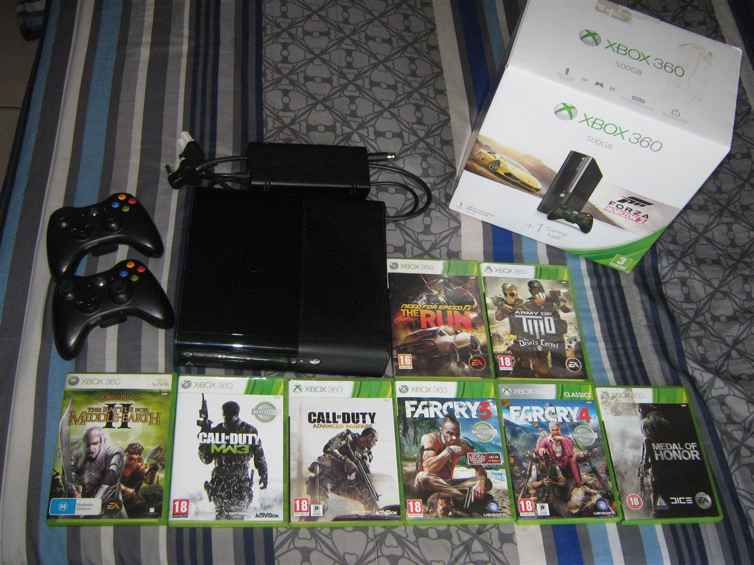 Xbox 360 500GB, 2 original wireless controllers and 8 games.Exelent condition
