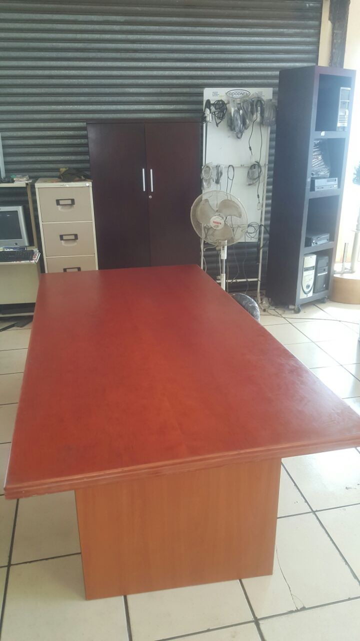 boardroom office table(8seater)