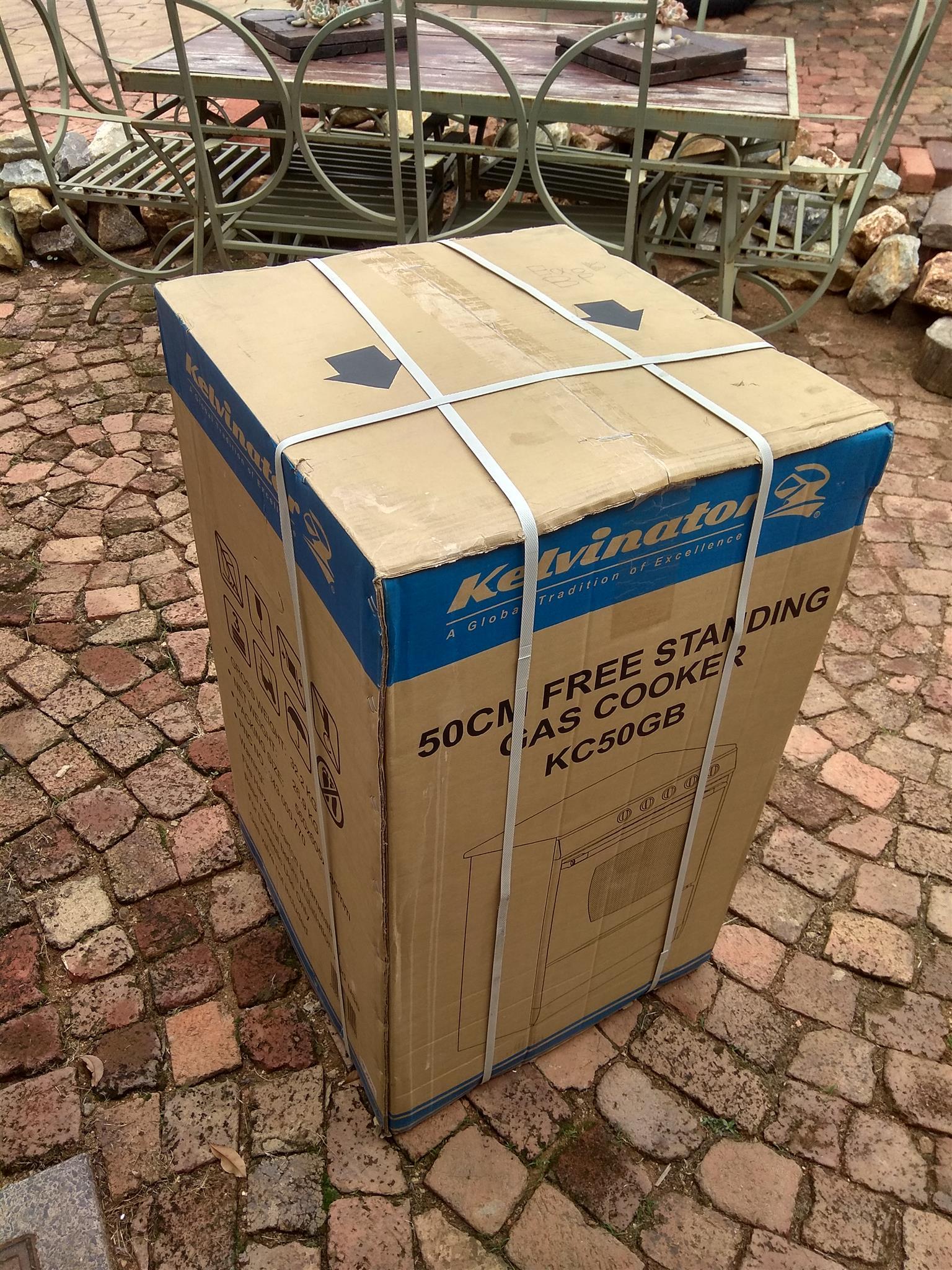 Kelvinator 50cm free standing gas cooker