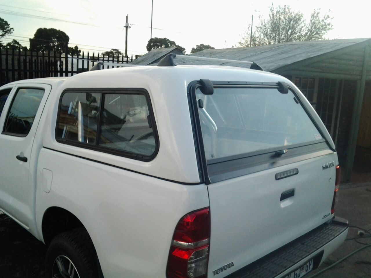 BUCCO TOYOTA HILUX 2005-2015 D/C CANOPY FOR SALE!!!!!!