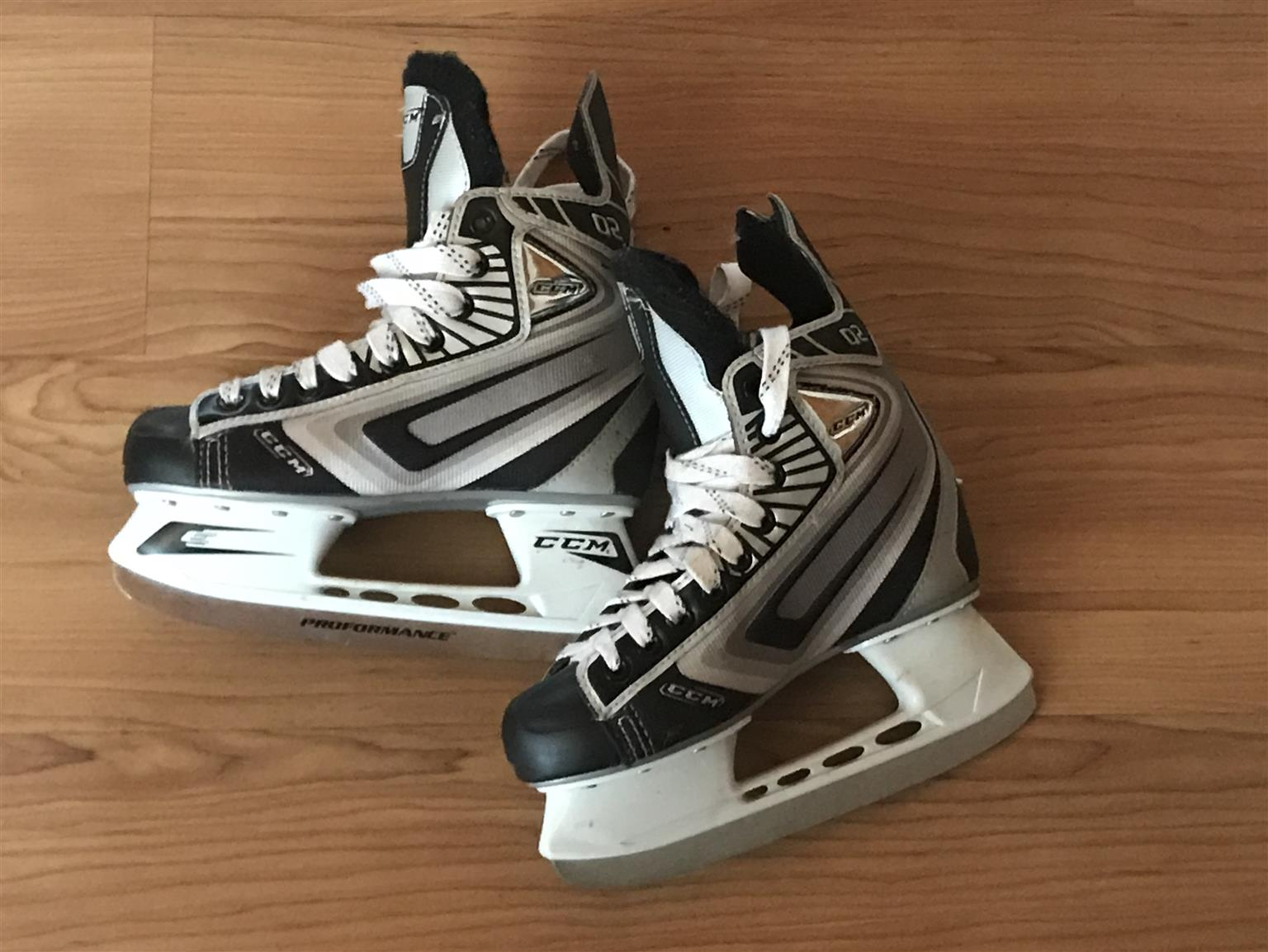 CCM Junior Ice Hockey Skates