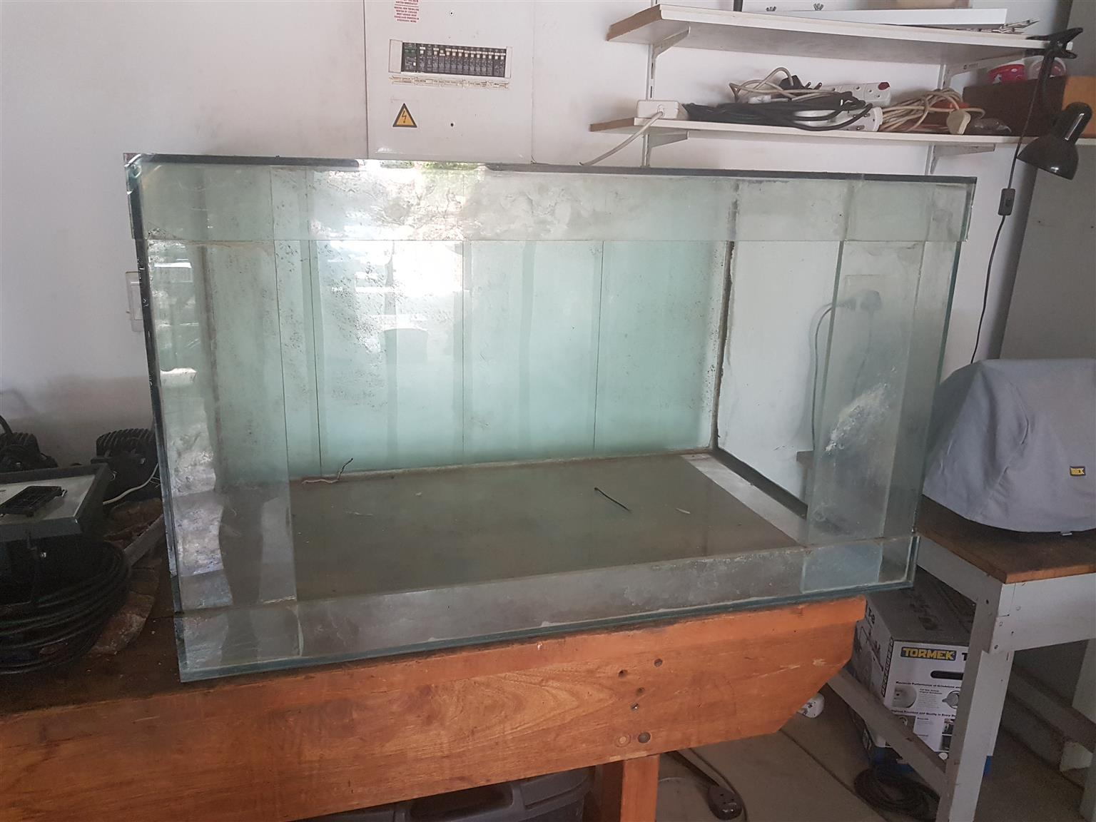 630 liter fish tank with stand