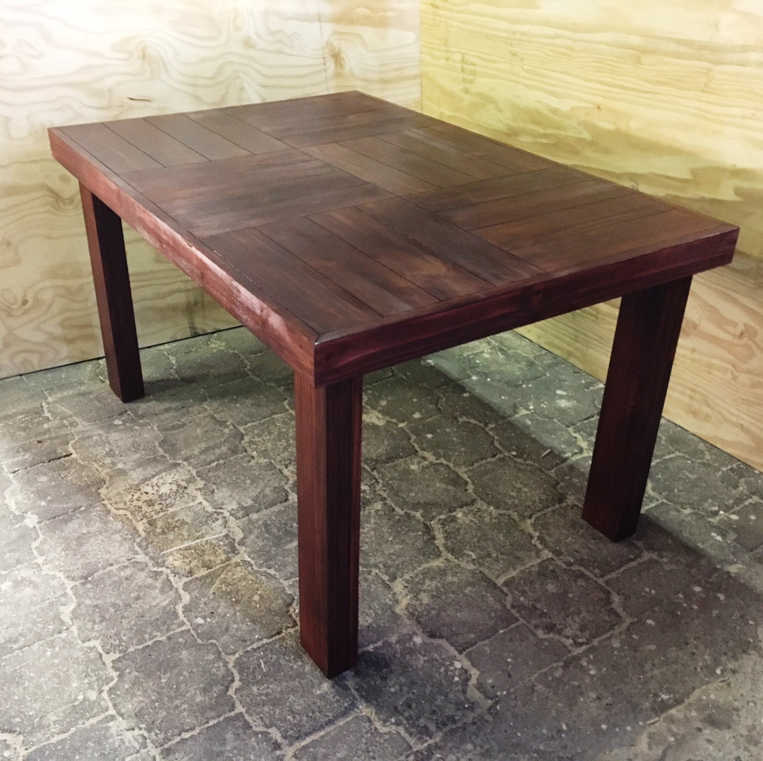 Patio table Farmhouse series 1450 Stained