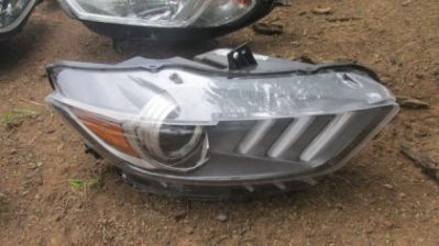 2016 Ford mustang right headlight for sale